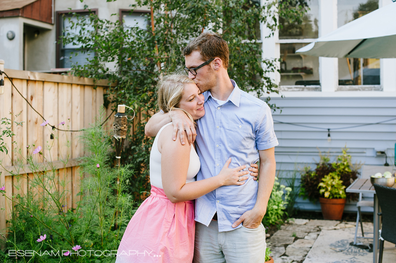 backyard-engagement-pictures-chicago
